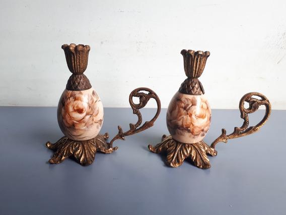 Par De Antigos E Belos Castiçais Em Porcelana Com Bronze