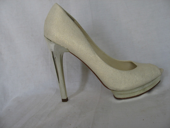 Zapatos Bcbgmaxazria, N° 10b, 40 Cuero, Italy