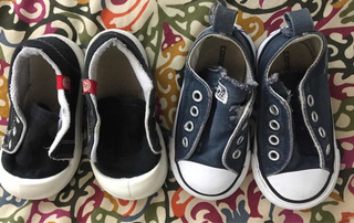 Lote 2 Pares Zapatillas Bebé Núm 20 Y 21 (uno Converse)