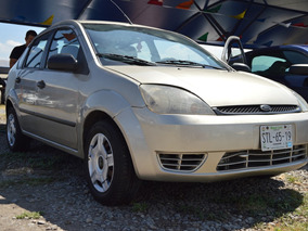 Ford Fiesta 1.6 First 5vel Sedan Mt