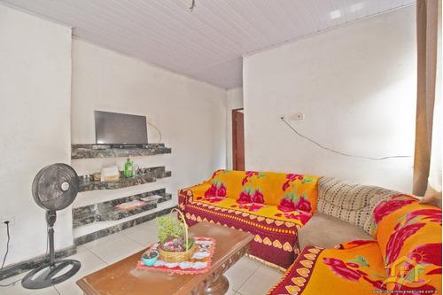Casa No Bairro Caraguava Em Peruíbe - 4585