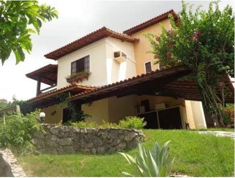 Casa Duplex Em Condomínio Fechado Com Amplo Jardim - Ca0102