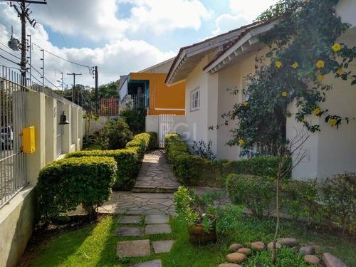 Casa Em Vila Nova Com 3 Dormitórios - Bt10558