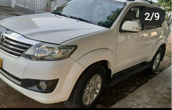 Toyota Fortuner Fortuner Urbana Automática 4x2 2014