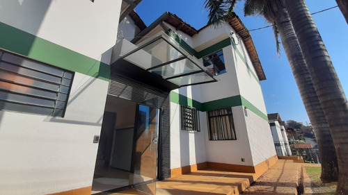 Apartamento De 3 Quartos No Bairro Coqueiros - Ces12