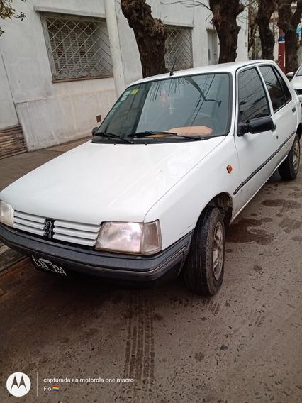 Peugeot 205 1.8 Gld Aa 1999