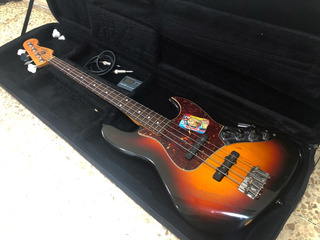 Bajo Fender Jazz Bass Deluxe Serie