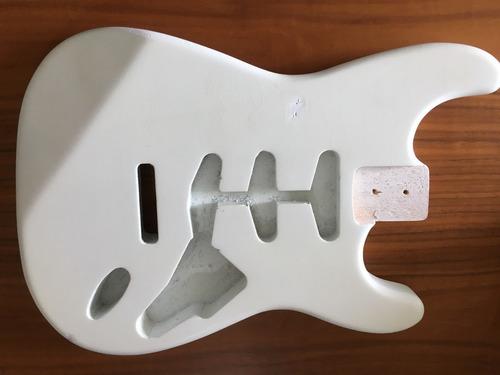 Imagem 1 de 7 de Corpo Guitarra Modelo Strato Em Soft Relic