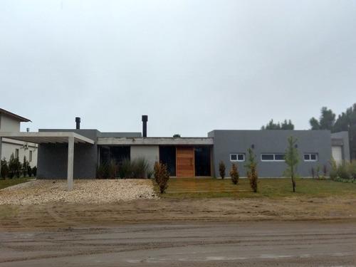 Casa De Diseño En La Herradura, Con Piscina