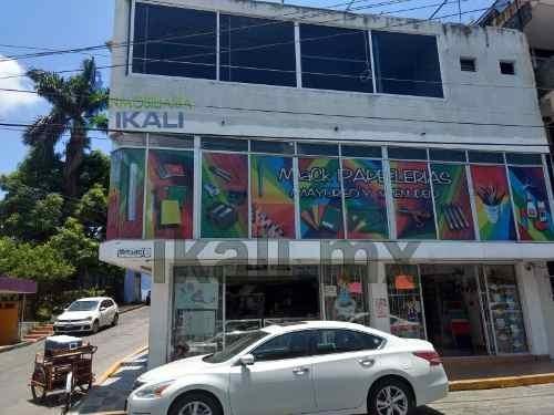 Renta Oficina 45 M² Zona Centro Tuxpan Veracruz, Ubicado A Una Cuadra Del Rió En El Centro, Sobre La Avenida Juárez (la Av. Principal Del Puerto) Esquina Con Venustiano Carranza, A Un Costado Del Jar