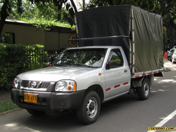 Nissan D-22 Np300 2400 Cc