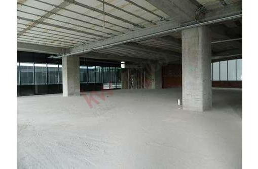 Oficina En Renta En Desarrollo The Point Santa Fe De 7,542 Usd Con 91 Mts De Terraza