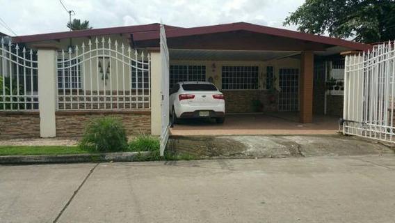 Vendo Hermosa Casa En Urb. El Rocío Las Cumbres17-7115**gg**
