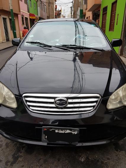 Remato Auto Byd 4500 Dolares Año 2011 Color Negro