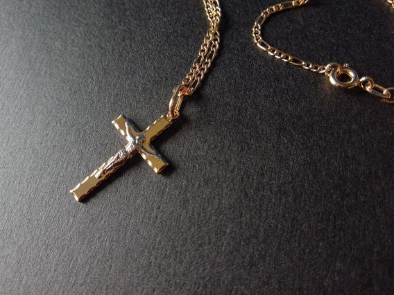 Corrente 60cm + Cruz Com Cristo Banhado A Ouro 18k