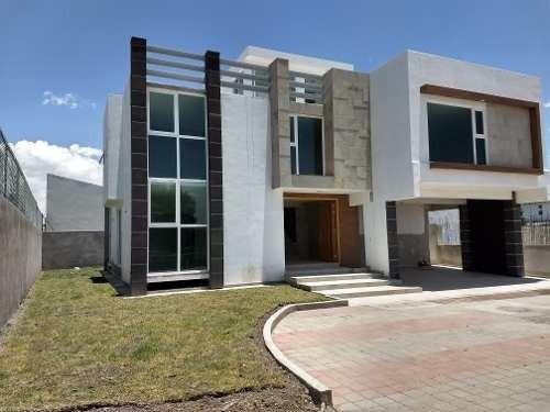 Residencia En La Mejor Zona De Metepec