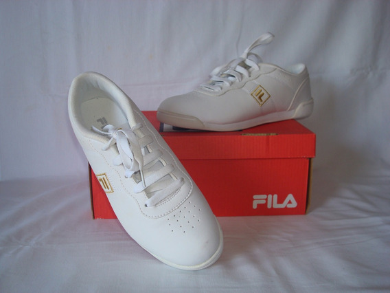 Zapatillas Fila Clásicas, Color Blanco. Talle 38