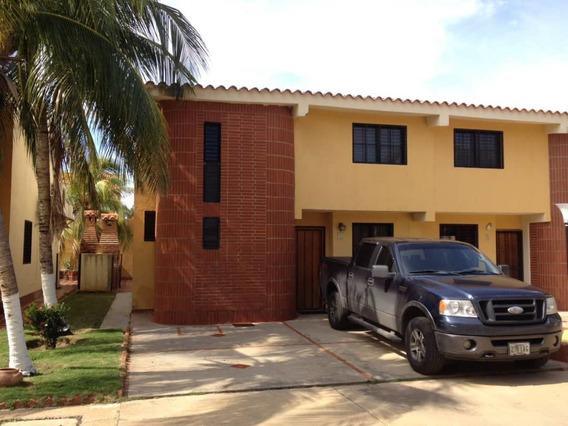 Townhouse En Venta Urb Flamingo Chichiriviche 20-21255 Gz