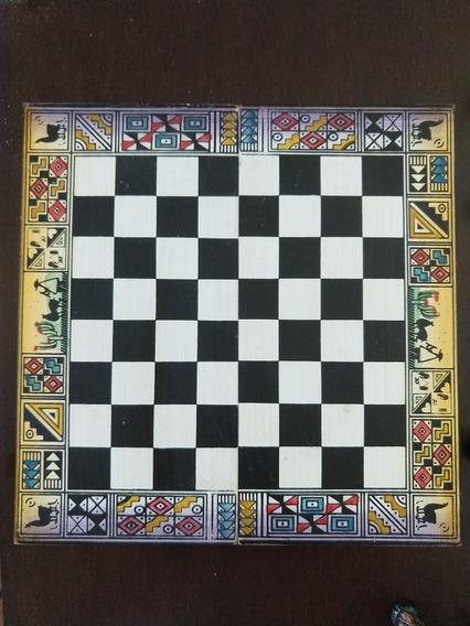 Jogo De Xadrez Espanhóis E Incas Artesanal Com Tabuleiro