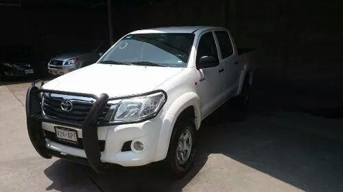 Toyota Hilux 15 Srv