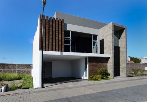 Casa En Renta En Fraccionamiento Cuarzo
