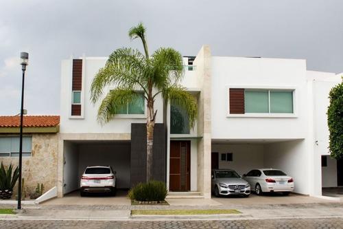 Casa En Venta En La Isla I En Lomas De Angelópolis