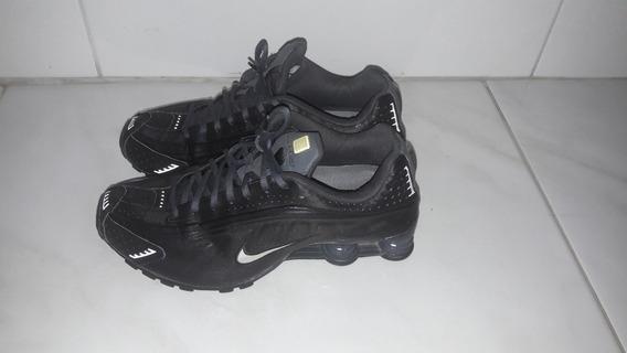 Nike Shox R4 Black/grey Tamanho 41
