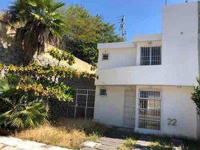 Casa Sola En Venta: Fracc. Villas El Prado. Chilpancingo, Gr