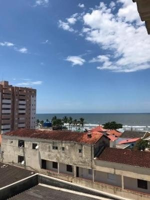 Vende Se Kit Net A 200 Metros Da Praia No Centro De Itanhaém