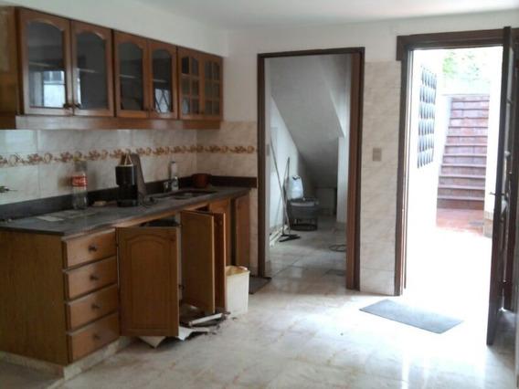 Vende Casa 127m2 C/salon 300 M2 Ideal Inversion Y Renta