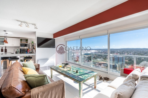 Hermoso Penthouse Lincoln Center- Ref: 639
