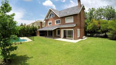 Casa Talar Del Lago 1. 3 Cuartos + Altillo Enorme De 100m2