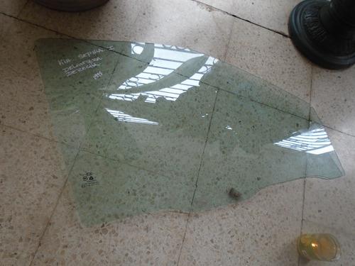 Imagen 1 de 2 de Vendo Vidrio Delantero Derecho De Kia Sephia, Año 1995