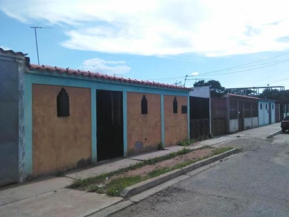 Casa En Venta Duaca 19-655 Dh