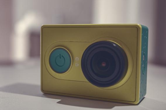 Câmera Xiaomi Yi 16mp Full Hd + Case Protetora + 32g Cartão