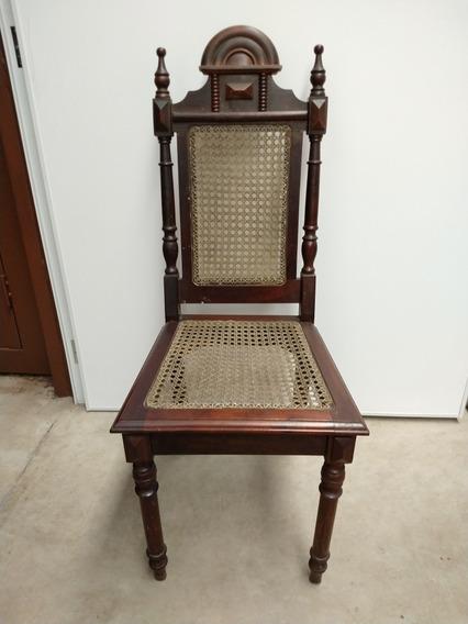 Cadeira Antiga De Palhinha