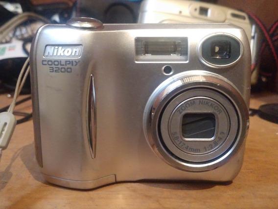 Câmera Digital Nikon Coolpix 3200