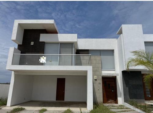 Punta Tiburon, Casa En Venta De Oportunidad!