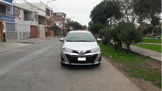 Toyota Yaris 2018 Modelo 1.3 Mecanico L/e ,a/c 12,000 Kms