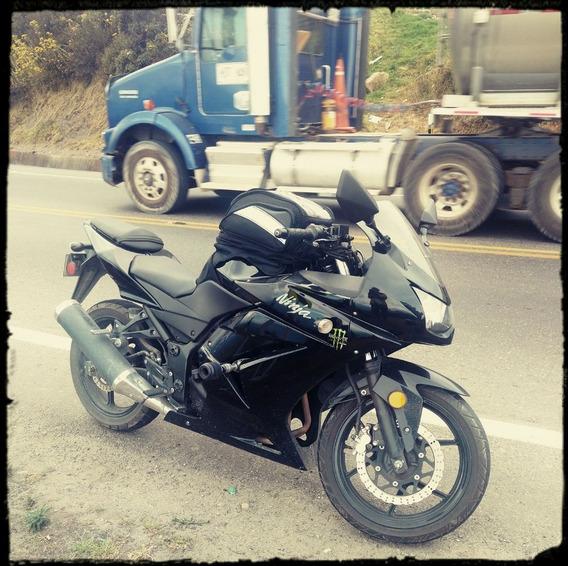 Vendo Moto Kawasaki Ninja 250 Mod. 2011 .. 16.000 Millas