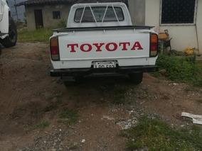 Toyota Hilux Bien Conservada