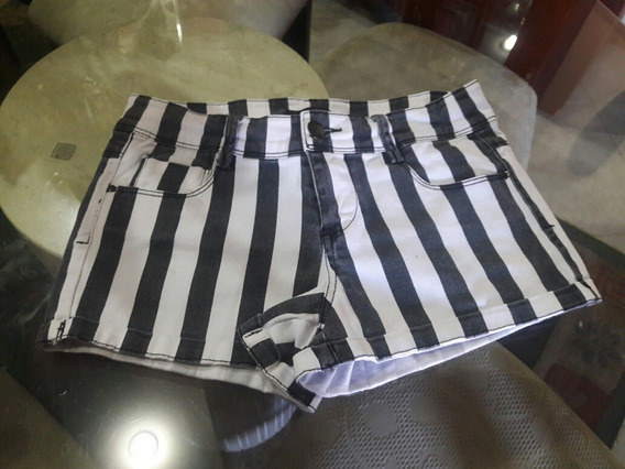 Short A Rayas Forever 21