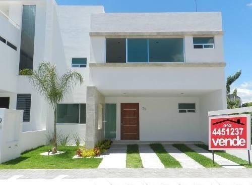 Se Vende Hermosa Casa En El Mirador, En Esquina, Moderna !