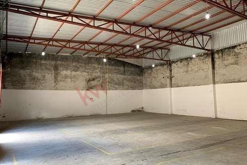 Imagen 1 de 21 de Se Vende Bodega Con Oficinas, En Periférico Poniente De San Cristóbal