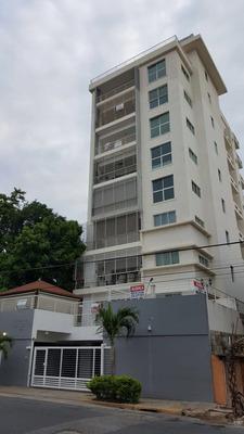 Apartamento De 220 Metros En La Evaristo Morales