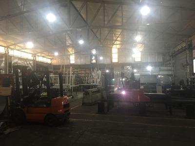 Excelente Establecimiento Industrial De 1450 M2 Aproximados Sobre Un Terreno De 1498 M2 De Terreno.