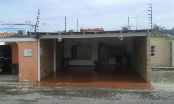 Casa En Venta Playa Bonita Quibor 19-490 Rr