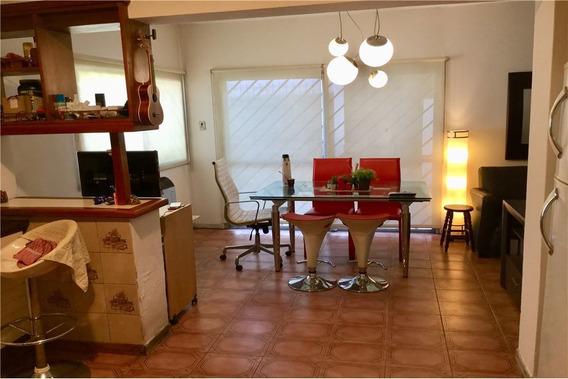 Casa 4 Dormitorios - Padua - Excelente Ubicación - A Refaccionar