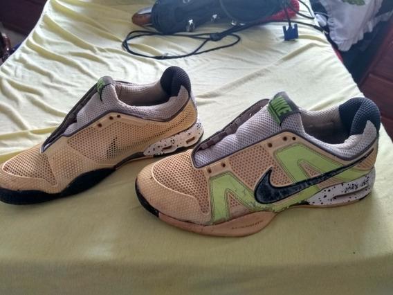 Tênis Da Nike Seminovo ,com Alguns Rachados Pequeno