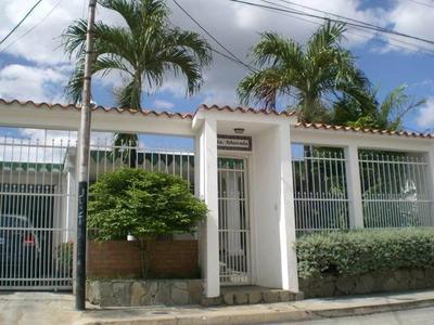 18-11893 Se Vende Linda Y Segura Casa En Corinsa Cagua